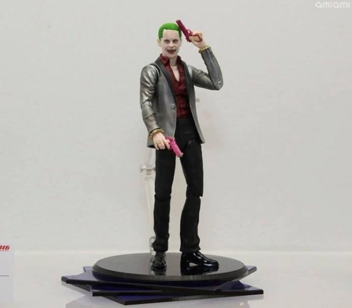 Suicide-Squad-Joker-SH-Figuarts-005
