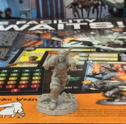 Valiant Universe The Deck Building Game (4)