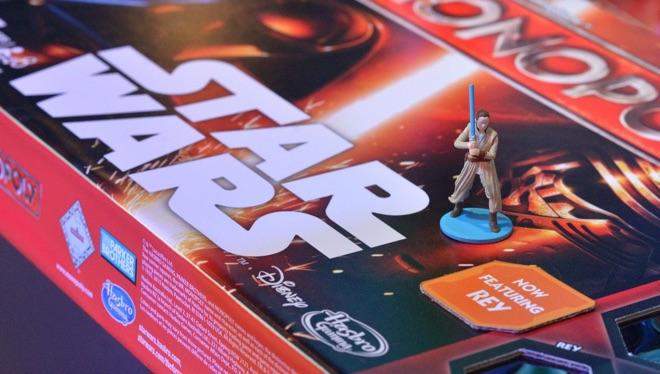 Continúa la polémica con el Monopoly de Star Wars de Hasbro y la figura de Rey 002