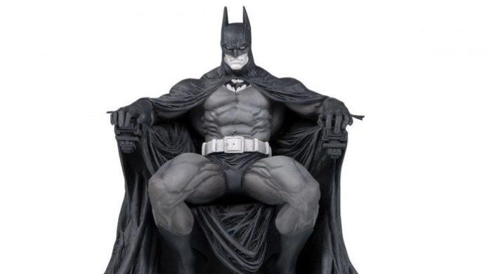 DC Collectibles Batman Black White Batman by Marc Silvestri Statue1 1500x e1550617082399