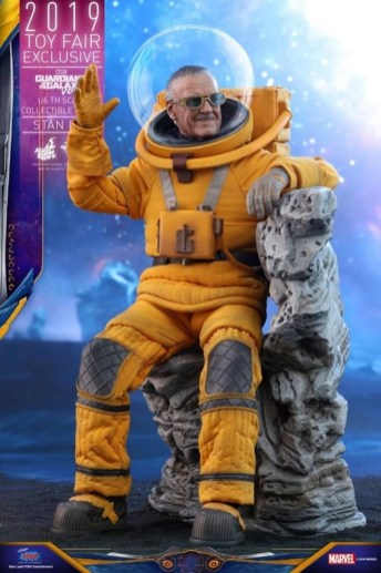 https___hypebeast.com_image_2019_07_stan-lee-guardians-of-the-galaxy-vol-2-hot-toys-8