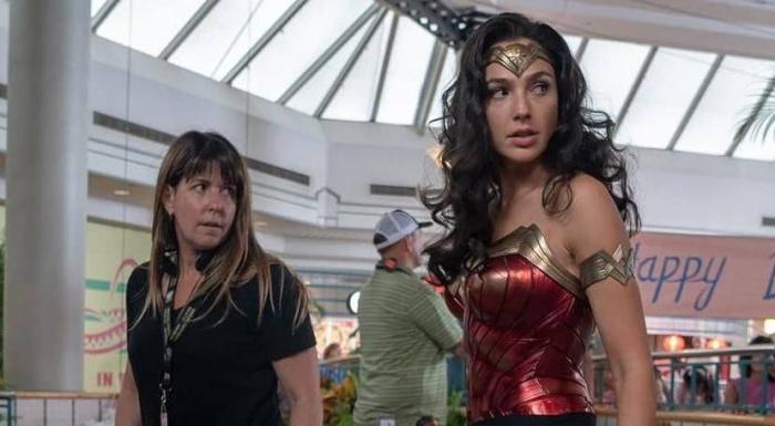 Warner aún no ha decidido cómo estrenar Wonder Woman 1984