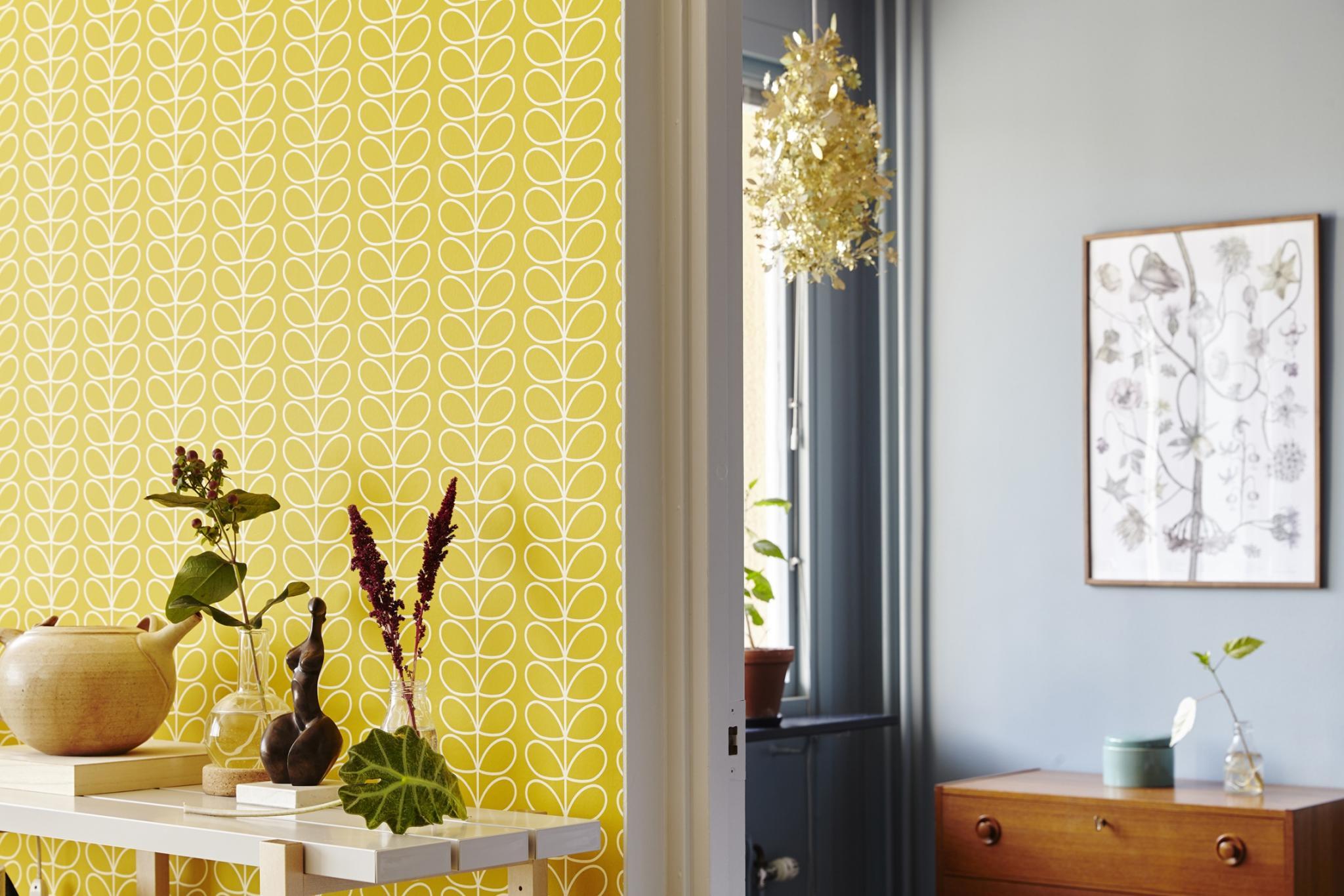 Yellow and blue combo decor and patterns - La casa de Freja