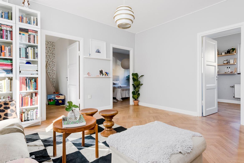 kid friendly decor apartment 4
