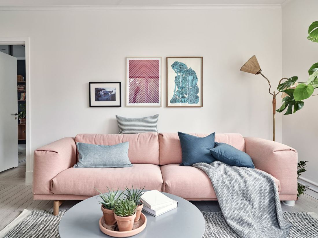 Metal, pink and blue palette in a Scandinavian decoration 06
