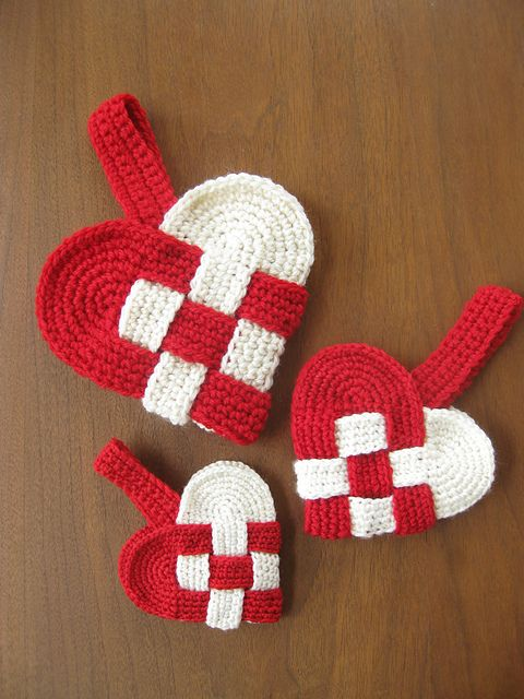 Christmas hearts to decorate the tree 01