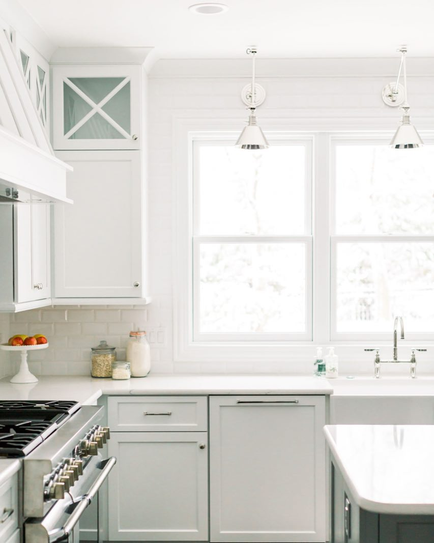 How to illuminate your kitchen countertop if you do not have upper cabinets or shelves 05