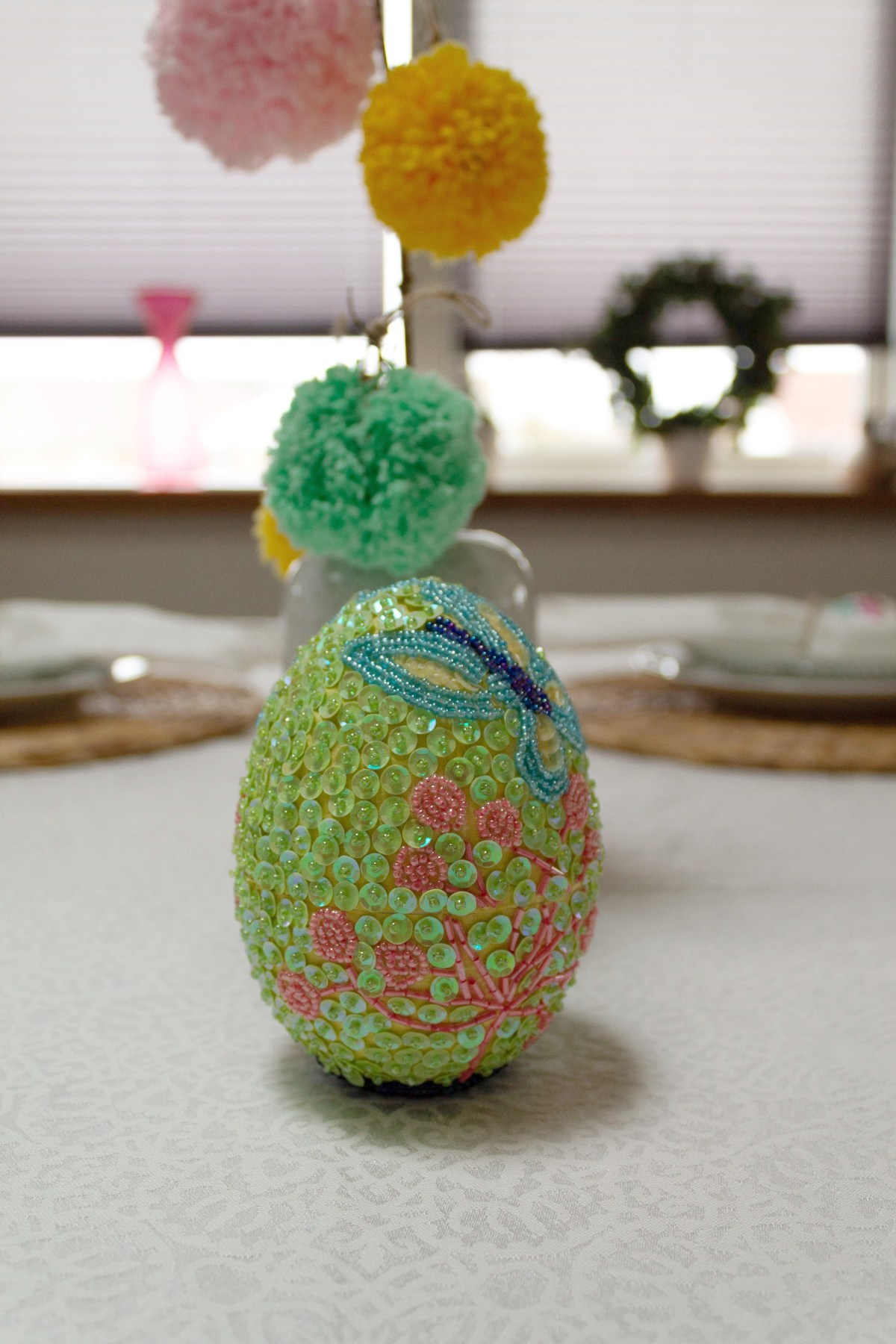 Easter table decoration with pompoms 11
