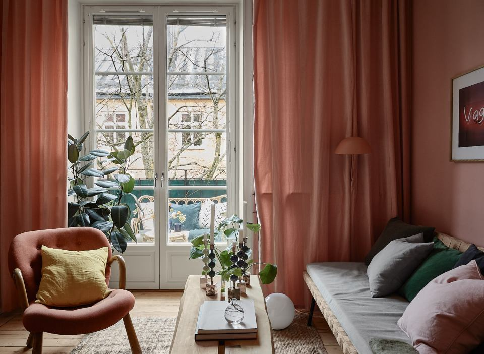 Pink and cherry A romantic, sophisticated and fresh apartment 01