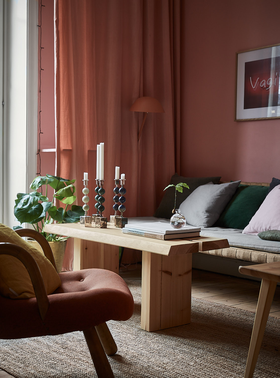 Pink and cherry A romantic, sophisticated and fresh apartment 06