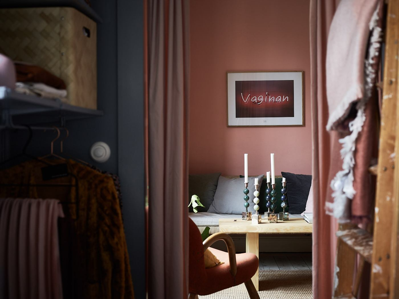 Pink and cherry A romantic, sophisticated and fresh apartment 13
