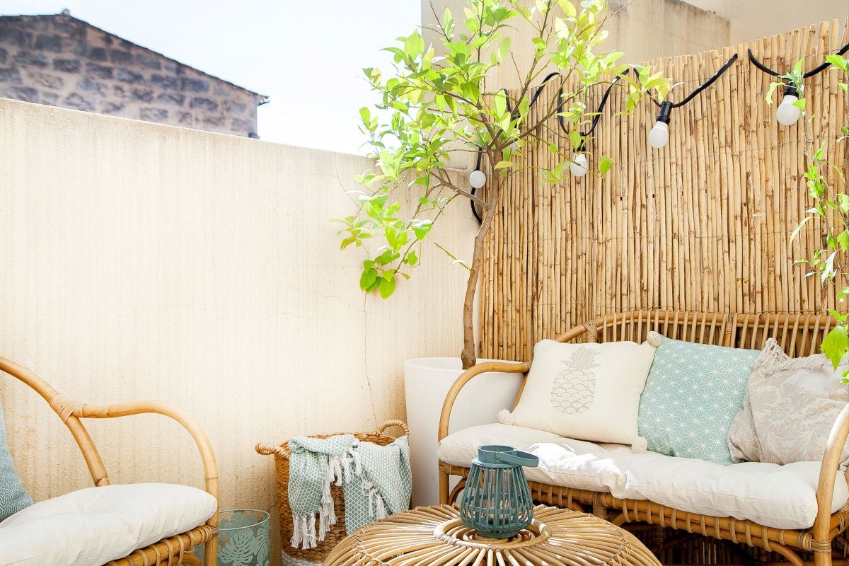 How to decorate a hygge balcony and not die in the attempt 05