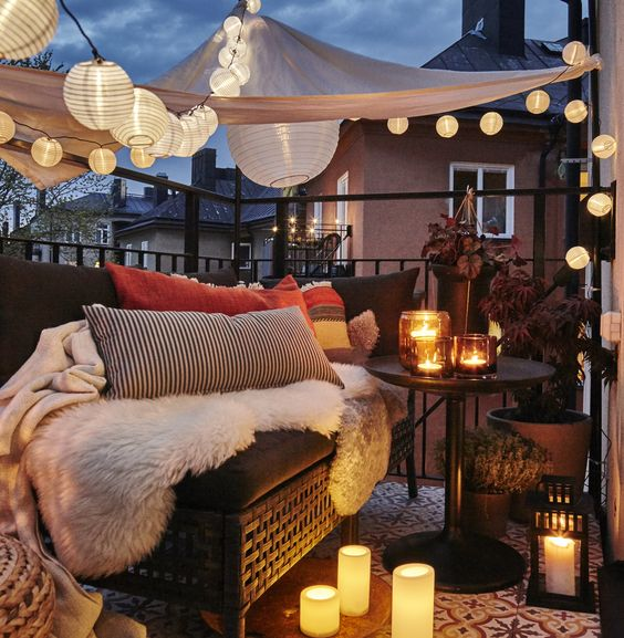 How to decorate a hygge balcony and not die in the attempt 07