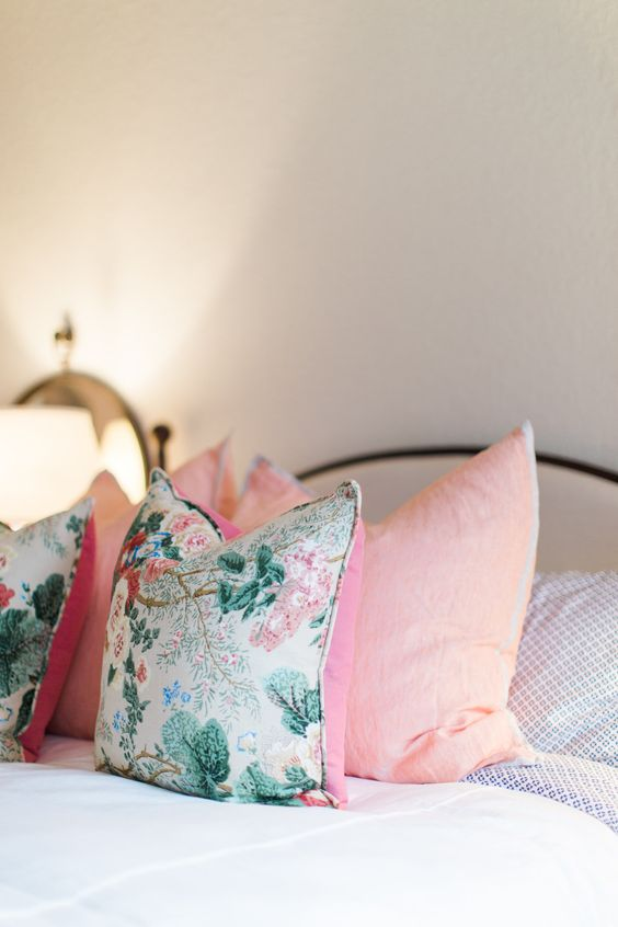 How to give a spring look to your bedroom in few steps 13