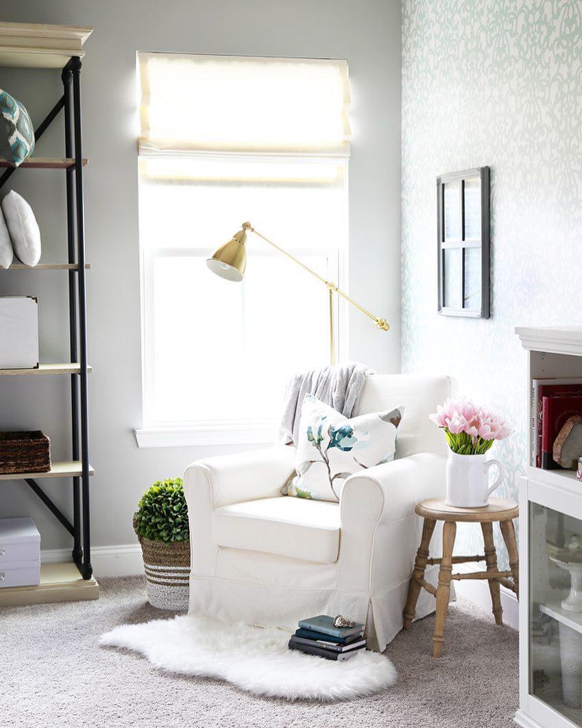 Choose the best lighting for your reading corner 07