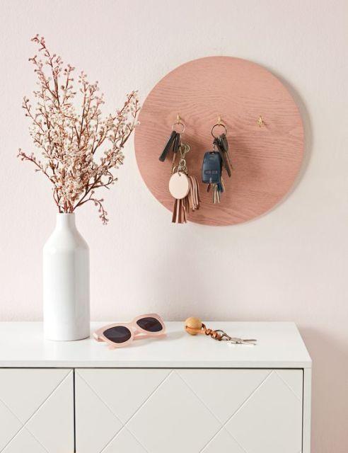 Shelf for small items 01