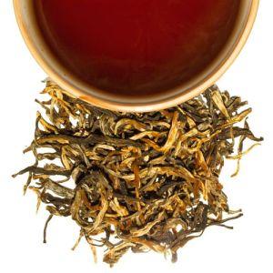 té negro con brotes dorados de yunnan