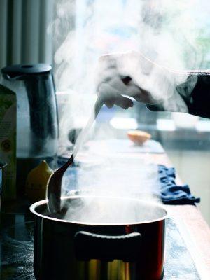La cuisson émet beaucoup de vapeur d'eau