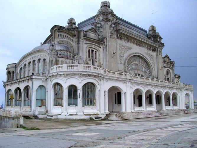Casino-Constanza-Romania-1.jpg?fit=667%2C500&ssl=1