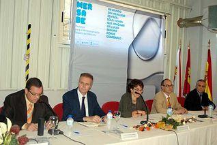 De izqda. a dcha.: Eduarado Martínez, Carlos Blázquez, María Jesús Rodríguez de Sancho, Juan José Damborenea y Luis Mansilla.