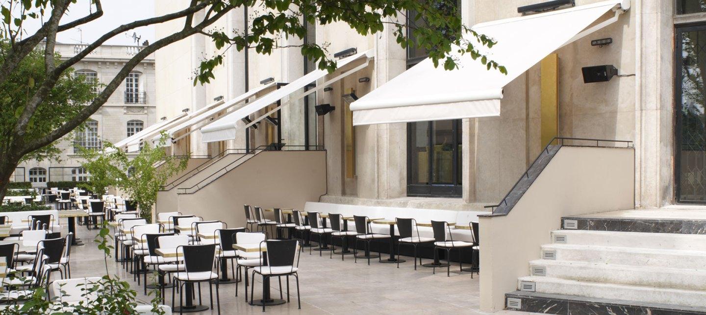8-la-chaise-bleue-chez-monsieur-bleu-palais-de-tokyo-paris