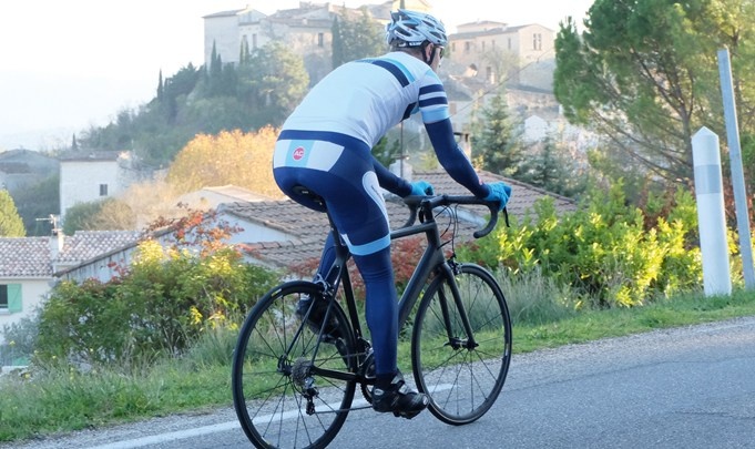 Canyon Ultimate CF SLX 8.0 : Toujours imbattable ? À voir…