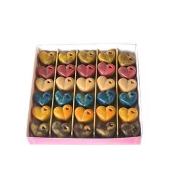 Coffret_dassortiment_de_cœurs_en_chocolats_noirs_lait_blonds_2