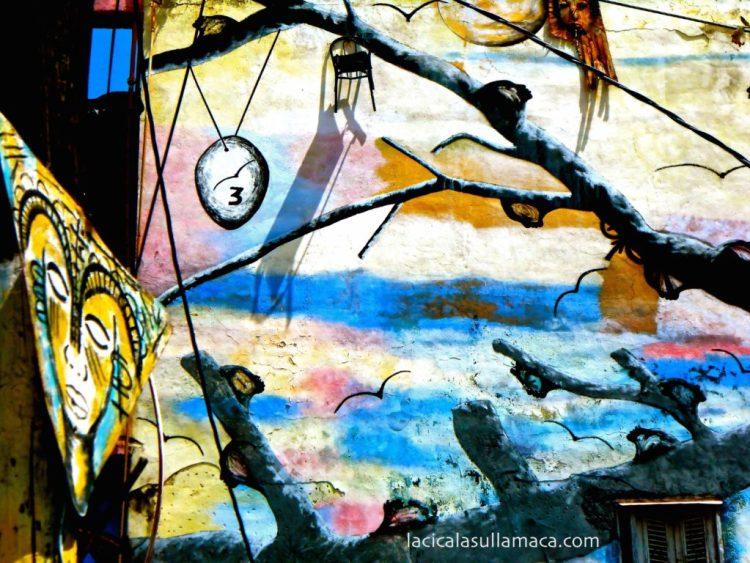 dettaglio di una pittura surrealista nel callegon da hamel a L'Avana