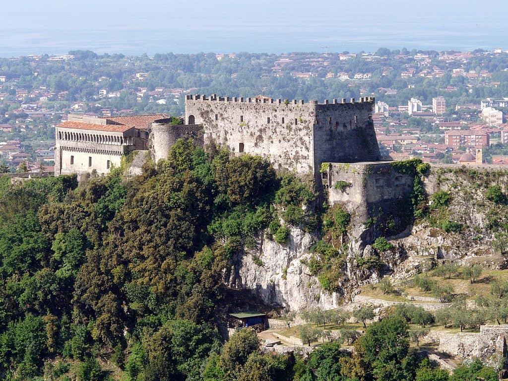 Massa, molto più delle cave. Un piccolo gioiello in Toscana