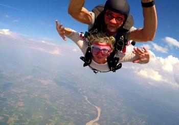 Lancio con il paracadute come promessa al papà scomparso