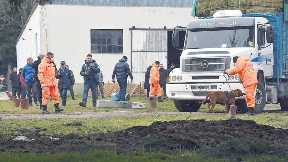 Santiago Maldonado: Encontraron pelos y una soga con sangre en una camioneta de Gendarmería