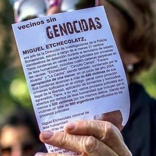 Crece el repudio entre los Marplatenses por la prisión domiciliaria de Etchecolatz 2