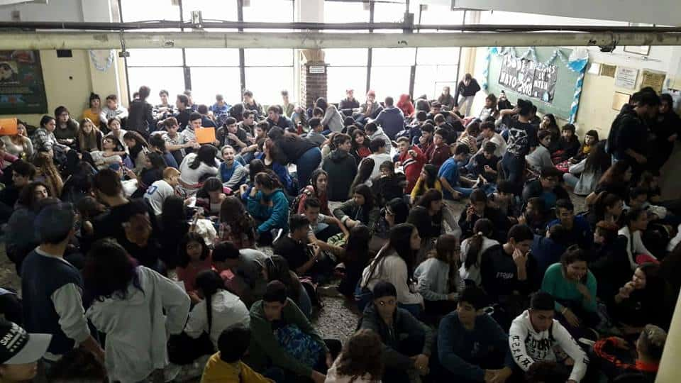 Cansados de la falta de respuesta, los alumnos del AUPI marchan mañana al Consejo Escolar