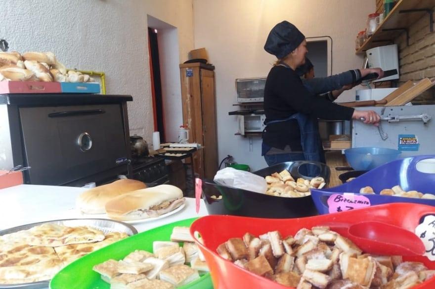 Mañana venderán el pan a 30 pesos el kilo en Ituzaingó Sur