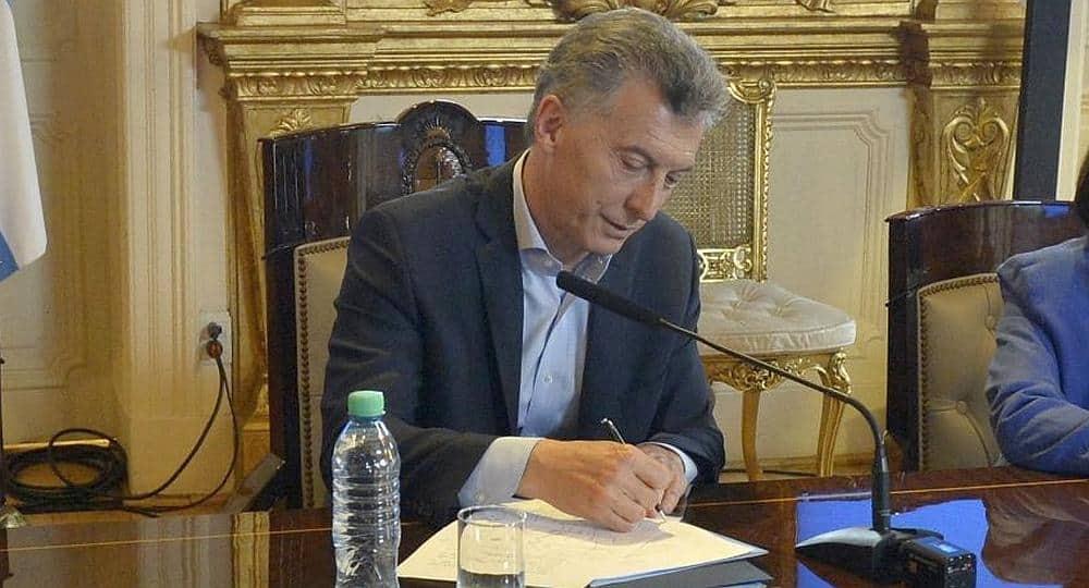 Macri modifica por decreto el régimen electoral a tres meses del cierre de listas