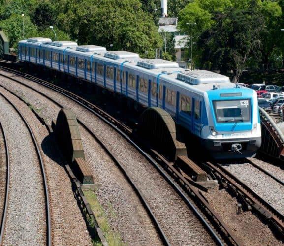 El Sarmiento interrumpe hoy el servicio a las 21 hs. por casos de Covid