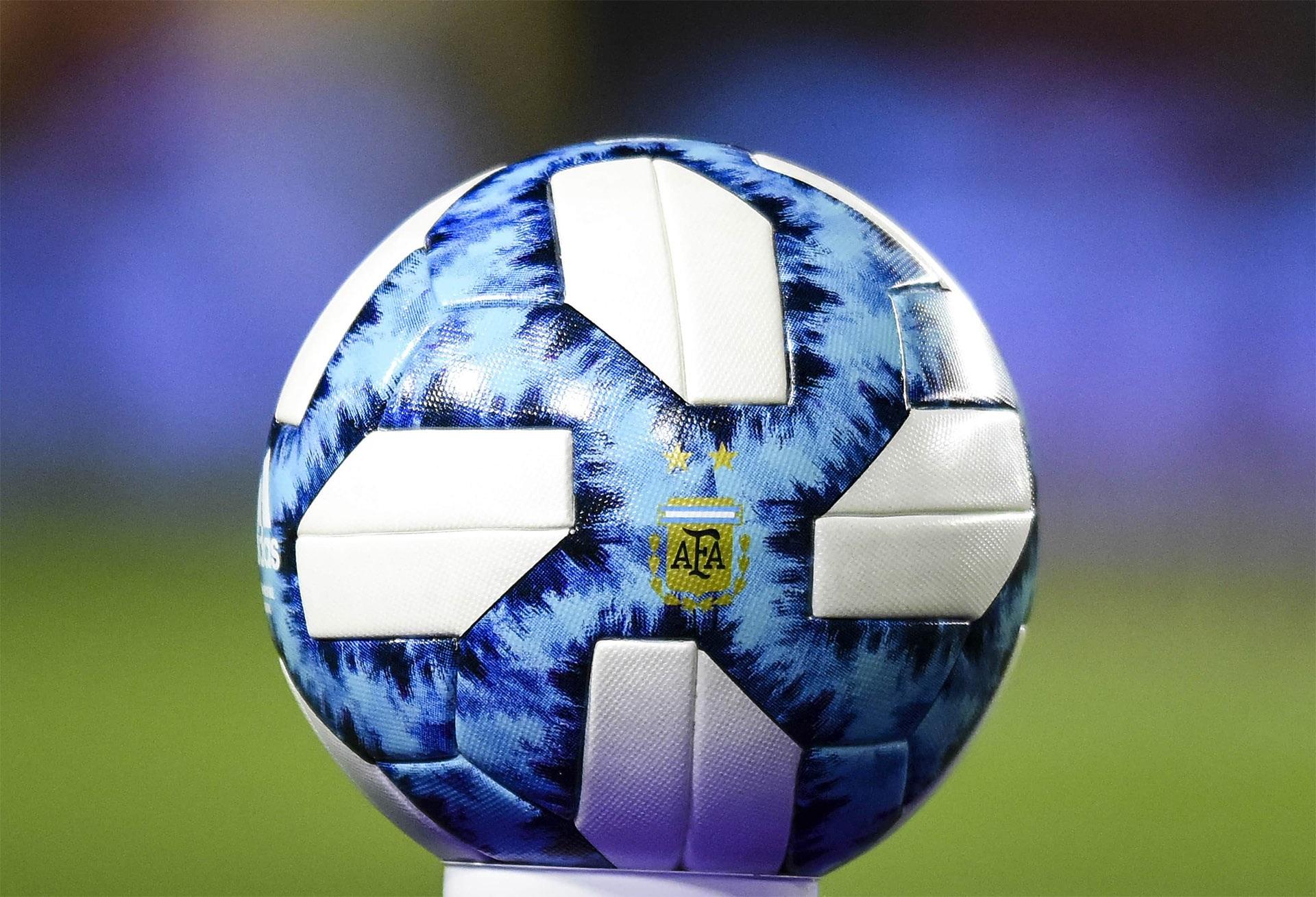 Fútbol: Los partidos amistosos, pasados por agua