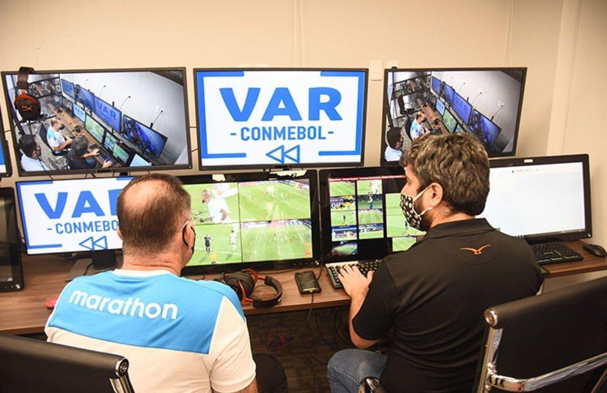 """Llegó el """"VAR"""" remoto en la Copa Libertadores"""