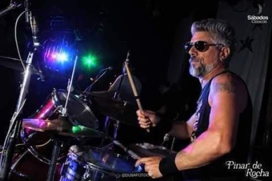 Músicos ituzainguenses: Entrevista al baterista Claudio Do Carmo 1