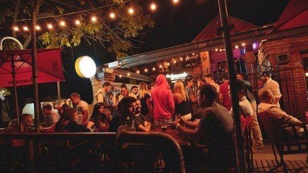 Desde hoy Morón abre bares, pubs, restaurantes y cafés