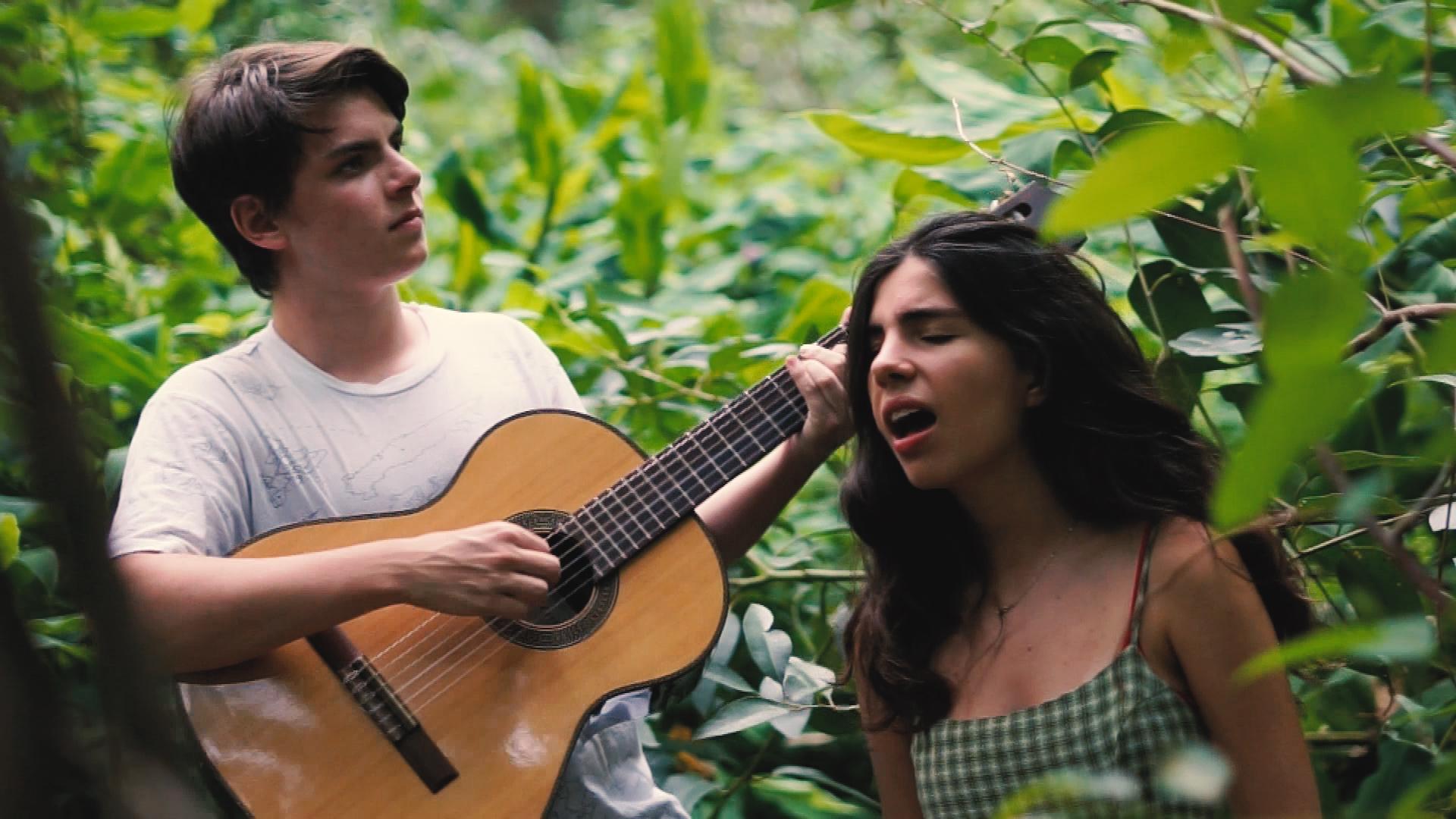 Borneo, el joven dúo Folk argentino que logra colarse entre los 50 más virales de España