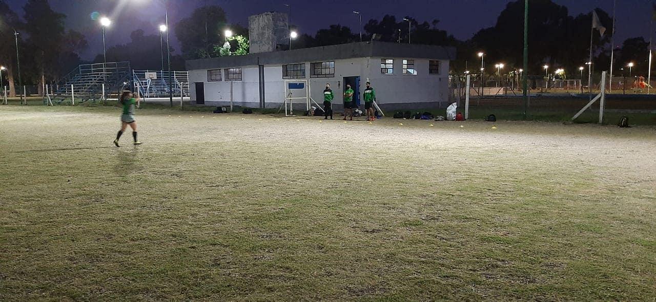 "Fútbol Femenino: las leonas se preparan para pelear el ascenso a la Primera ""B"" Metropolitana"