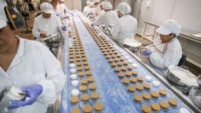 """La fábrica del alfajor """"Grandote"""" vuelve a producir recuperada por sus trabajadores como cooperativa 1"""