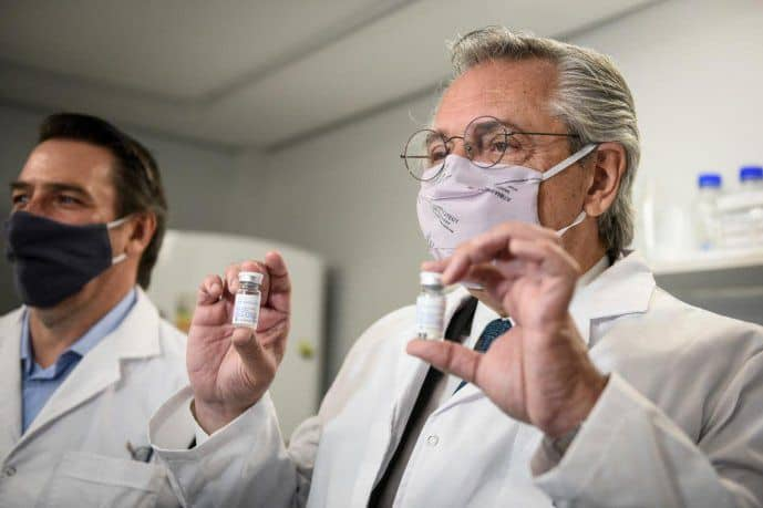 Alberto Fernández visitó el laboratorio de la UNSAM donde se desarrolló el suero equino para el tratamiento del Covid