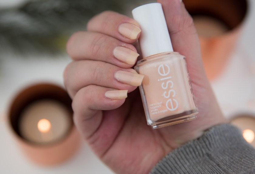 Essie, Back In The Limo, Winter, LE, 2014, sheer, Review, Swatch, Swatches, nailswatch, tragebild, nail, nails, apricot, french, natural, Nagellack, polish, varnish, lacquer, nailpolish, nailvarnish, naillacquer