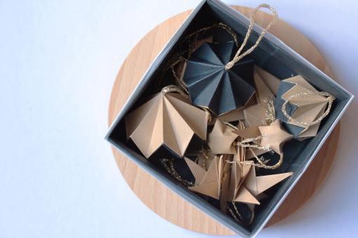 Box de 14 décorations de noël, origami kraft et noir
