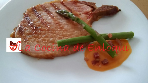 Filete sajonia con salmorejo