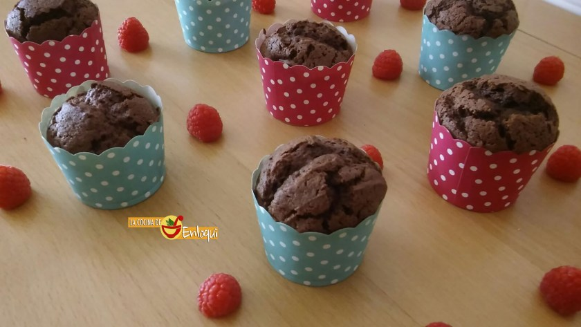 01-10-16-muffins-de-brownie-de-chocolate-blanco-12