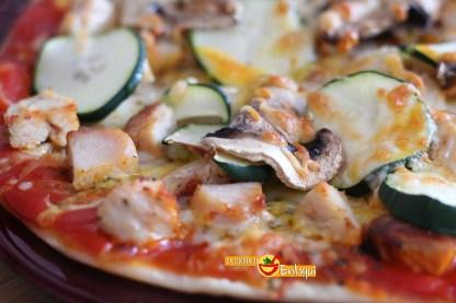 pizza de pollo con verdura