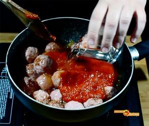26.02.17 Albóndigas con tomate (pap4)